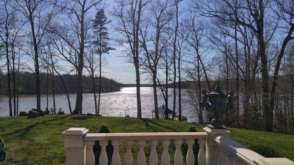 Lakefront Homes vs. Beachfront Homes